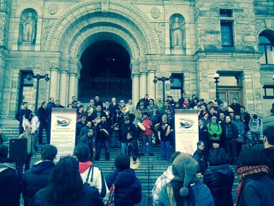 Crowd gathered at legislature for Moosehide Campaign's Annual Men's Event and National Fast